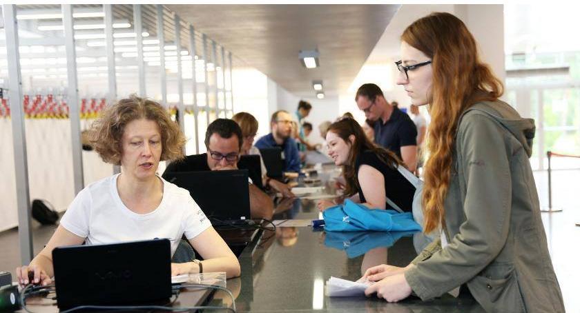 Uczelnie wyższe, Rekrutacja Młodzi ludzie wciąż chcą prawnikami lekarzami - zdjęcie, fotografia