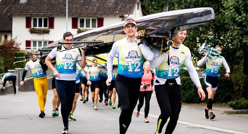 Inne dyscypliny, Takiej imprezy Toruniu jeszcze było Run&Row - zdjęcie, fotografia