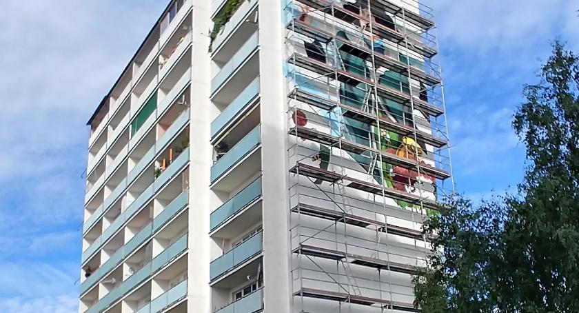 Wiadomości, Kolejny mural Skarpie Zobaczcie prezentuje rusztowania [FOTO] - zdjęcie, fotografia