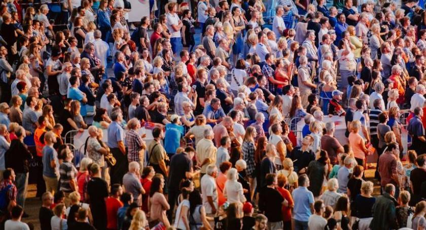 Koncerty, Gwiazdy polskiej muzyki zaśpiewają Toruniu - zdjęcie, fotografia