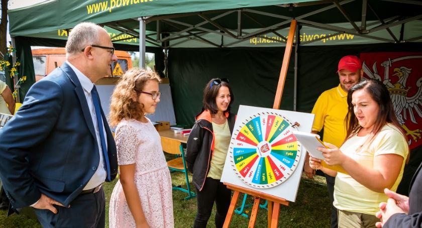 Imprezy, Pomysł powiatu toruńskiego dożynki Edukacja przez zabawę [FOTO] - zdjęcie, fotografia