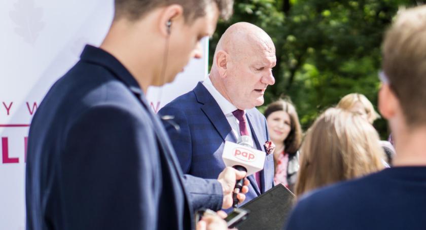 Prezydent Torunia, stadion baseny kolejka gondolowa Michał Zaleski przedstawił swój program - zdjęcie, fotografia