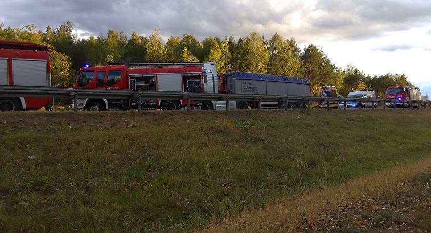 Wypadki, Uwaga! Tragiczny wypadek Toruniu Kierowca poniósł śmierć miejscu [FOTO] - zdjęcie, fotografia