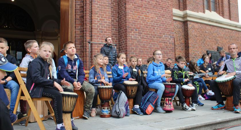 Warsztaty, Młodzież gminy Obrowo znów brała udział łódzkich warsztatach muzycznych - zdjęcie, fotografia