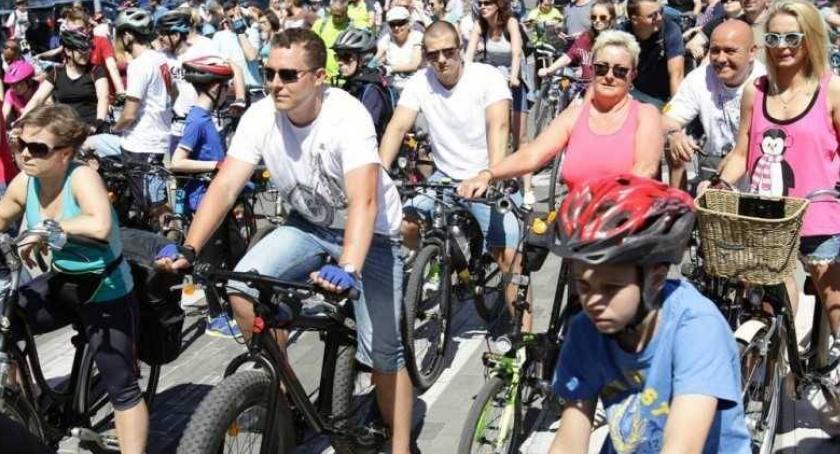 Rowery, Przed wielki rowerowy Toruniu Każdy może wziąć udział - zdjęcie, fotografia