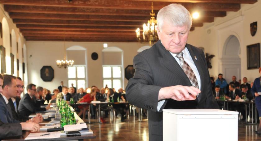 Rada Miasta, Przed pierwsza sesja Miasta nowej kadencji Otworzy Ząbik - zdjęcie, fotografia
