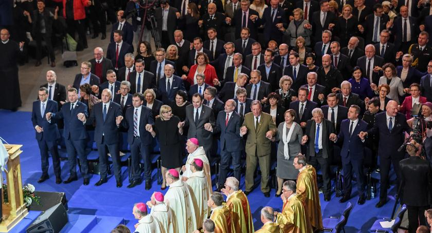 Religia, Rząd parlamentarzyści prezydent pielgrzymi bawili podczas urodzin Radia Maryja [FOTO] - zdjęcie, fotografia