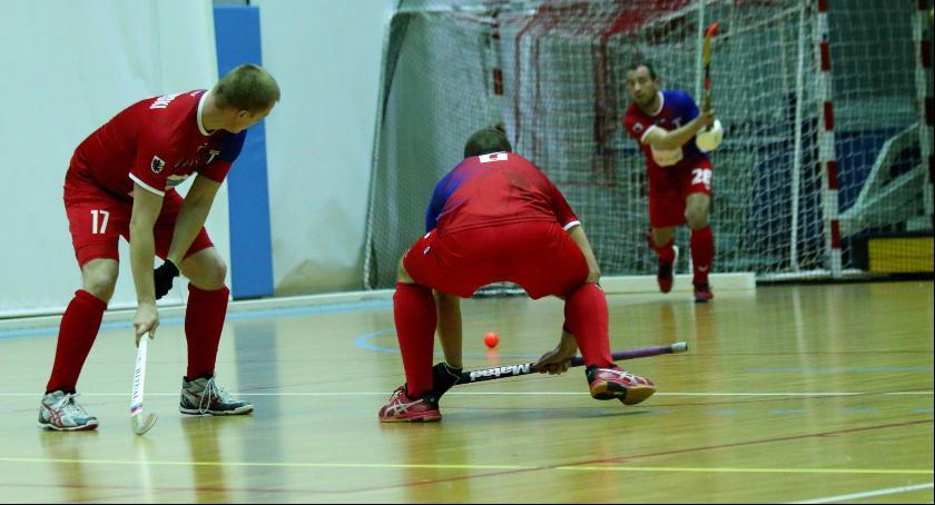 Hokej na trawie, Pomorzanin Toruń strzelił rywalom bramki inaugurację sezonu - zdjęcie, fotografia