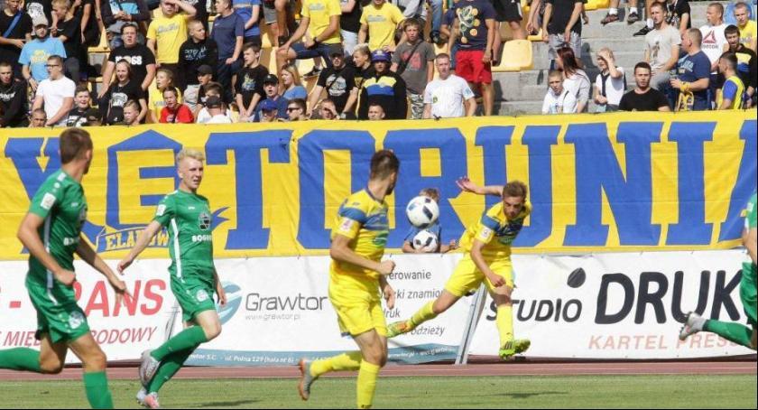 Piłka Nożna, Miasto przeznaczy miliony złotych stadion piłkarski Toruniu - zdjęcie, fotografia