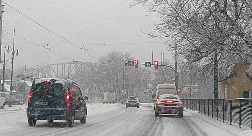 Drogi, prezes toruńskiego tłumaczy komunikacyjny paraliż drogach Torunia - zdjęcie, fotografia