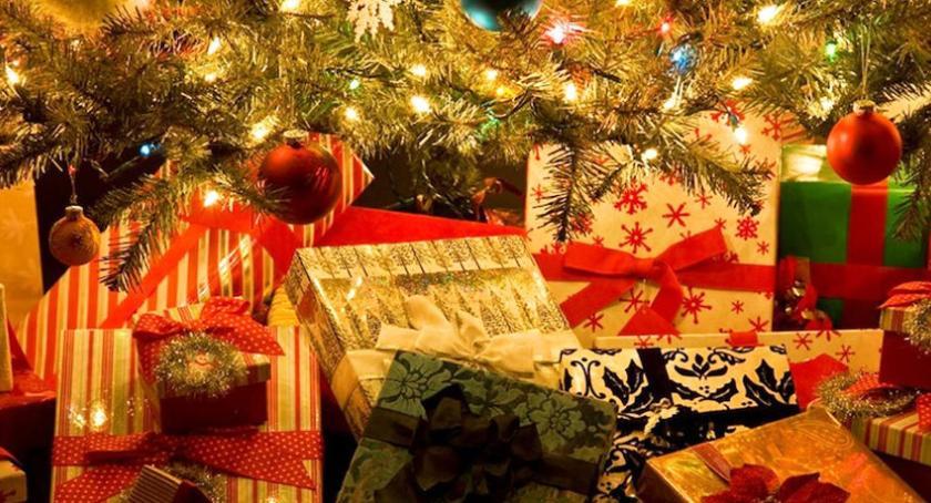 Ciekawostki, babci Krysi trafi jednak zgubiona paczka prezentami! - zdjęcie, fotografia