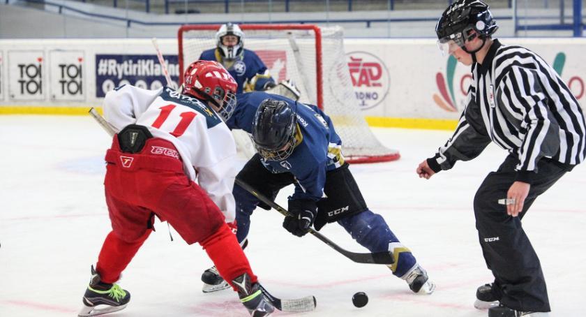 Relaks, Sportowa rywalizacja lodzie dlaczego warto uprawiać hokej - zdjęcie, fotografia