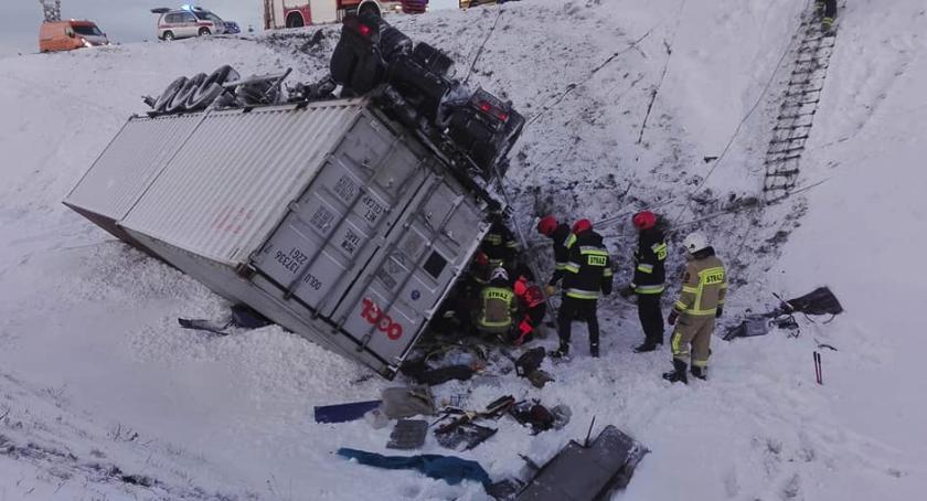 Wypadki, Wypadek ciężarówki Zobacz dziś stało Toruniem [FOTO] - zdjęcie, fotografia