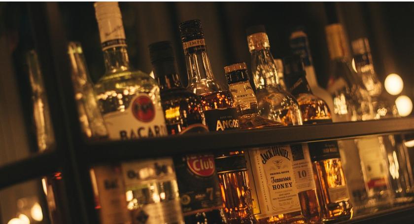 Komunikaty, osiedla których sklepy otrzymają zezwolenia sprzedaż alkoholu - zdjęcie, fotografia