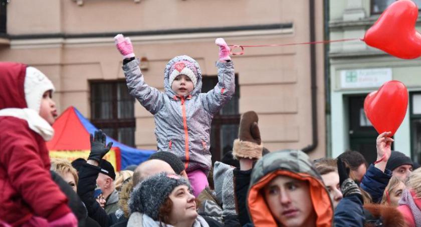 Wydarzenie, sobotę Toruniu wszyscy jesteśmy dziećmi pomagamy dzieciom! - zdjęcie, fotografia