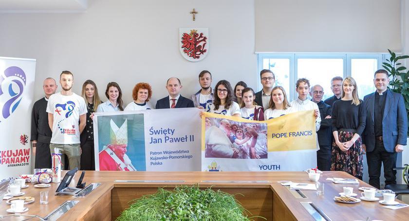 Kujawsko-Pomorskie, pielgrzymi jadą Światowe Młodzieży Panamy - zdjęcie, fotografia