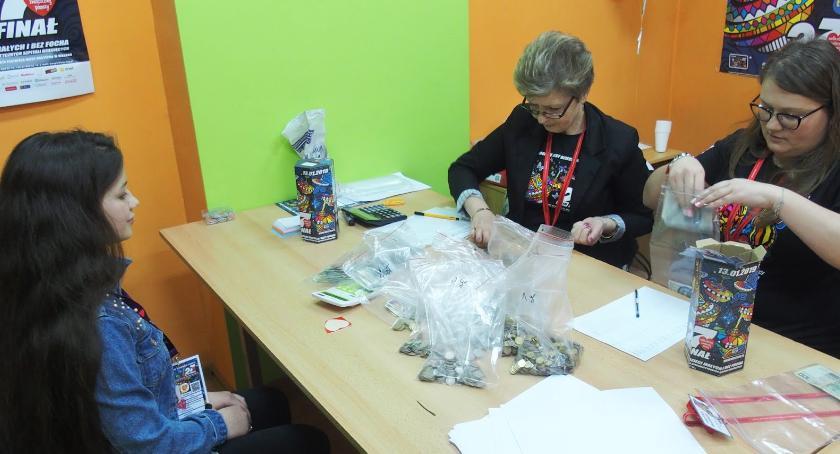 Charytatywne akcje, Mieszkańcy gminy Aleksandrów Kujawski zbierali WOŚP Znamy wynik [FOTO] - zdjęcie, fotografia