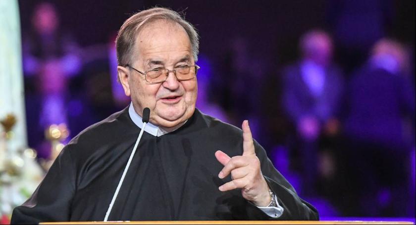Religia, Tadeusz Rydzyk właściciel Żabki rozpoczynają współpracę - zdjęcie, fotografia