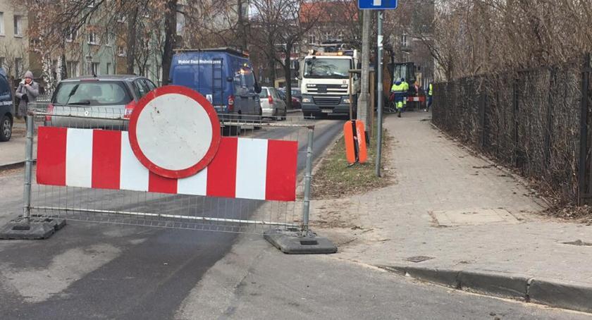 Komunikaty, Awaria sieci wodociągowej Toruniu mieszkańców [FOTO] - zdjęcie, fotografia