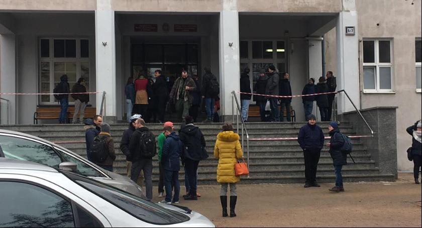 Komunikaty, Alarm bombowy Uniwersytecie Mikołaja Kopernika [PILNE] - zdjęcie, fotografia