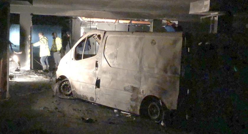 Straż pożarna, Duże straty pożarze garażowej Toruniu [FOTO] - zdjęcie, fotografia