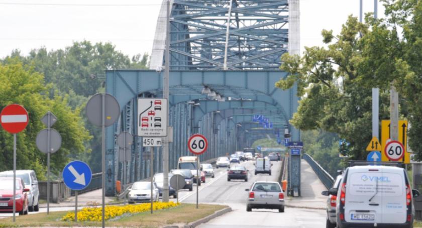 Drogi, budowy tymczasowego mostu Toruniu - zdjęcie, fotografia