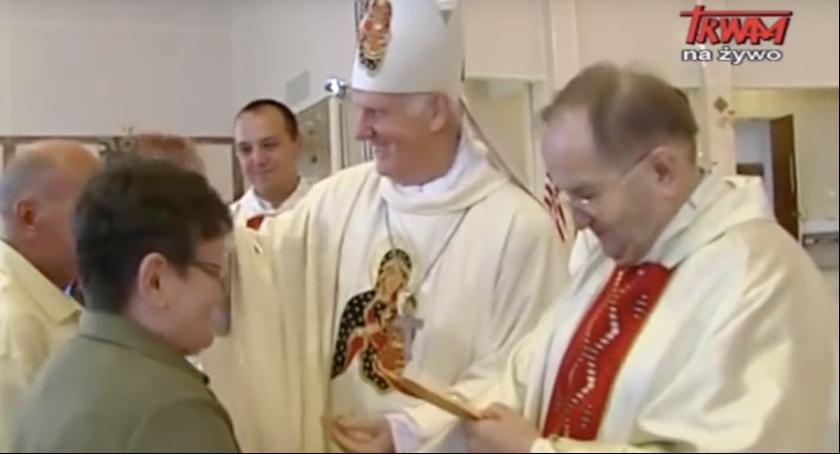 Religia, ojciec Rydzyk został obdarowany przez wiernych Stanach Zjednoczonych [WIDEO] - zdjęcie, fotografia