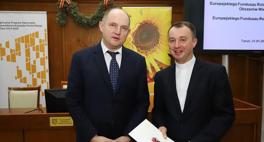 Inwestycje, Parafia Toruniem przygotowuje zmiany prawie pół miliona złotych - zdjęcie, fotografia