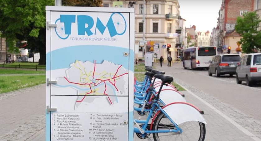 Inwestycje, Torunianie pojeżdżą rowerem miejskim! - zdjęcie, fotografia