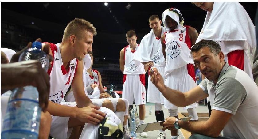 Koszykówka, Twarde Pierniki wygrywają emocjonującej dogrywce - zdjęcie, fotografia