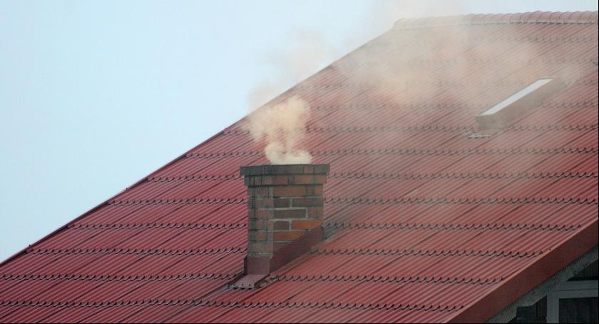 Kujawsko-Pomorskie, Toruniu regionie samorządowcy walczą smogiem - zdjęcie, fotografia