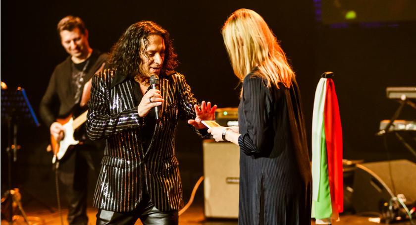 Wydarzenie, Marco Bocchino zaśpiewał kobiet Jordanki [FOTO] - zdjęcie, fotografia