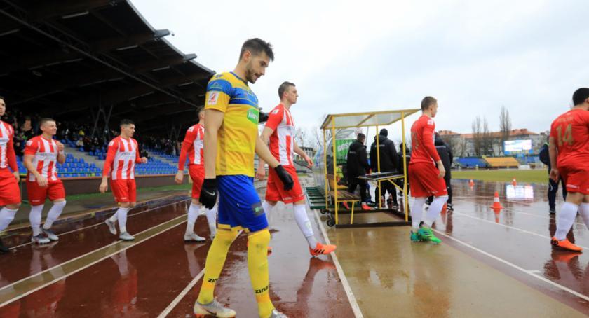 Piłka Nożna, Niespodziewana porażka Elany przed własną publicznością [FOTO] - zdjęcie, fotografia