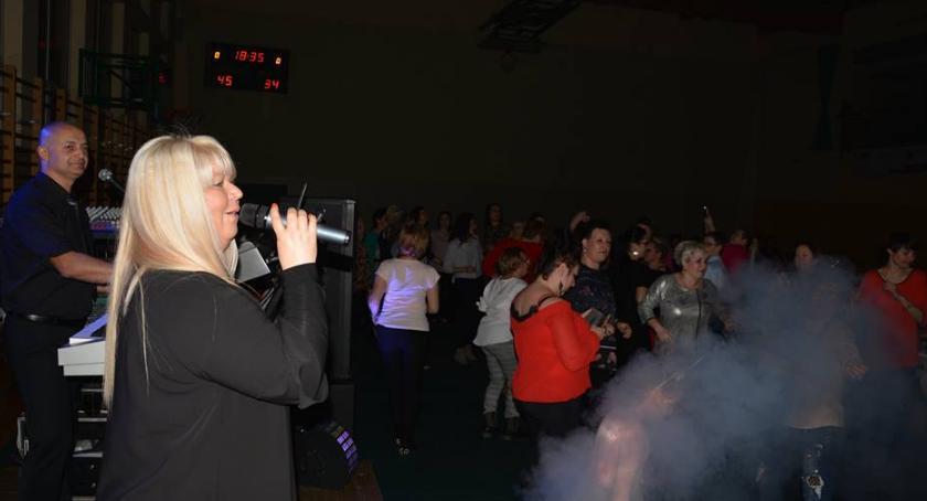 Wydarzenie, SeksBomba porwała tańca Toruniem [FOTO] - zdjęcie, fotografia