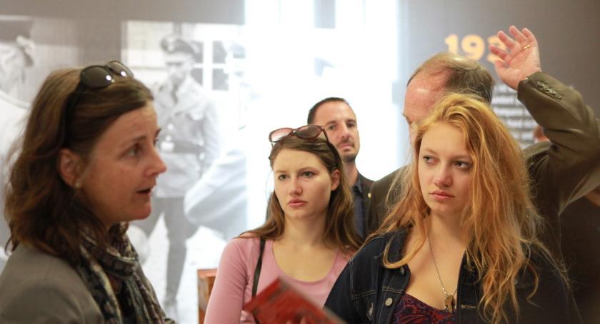 Szkoły i licea, Ruszyła kampania promująca szkoły branżowe technika - zdjęcie, fotografia
