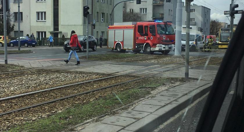 Wypadki, Duże utrudnienia Kraszewskiego Toruniu stało [FOTO] - zdjęcie, fotografia