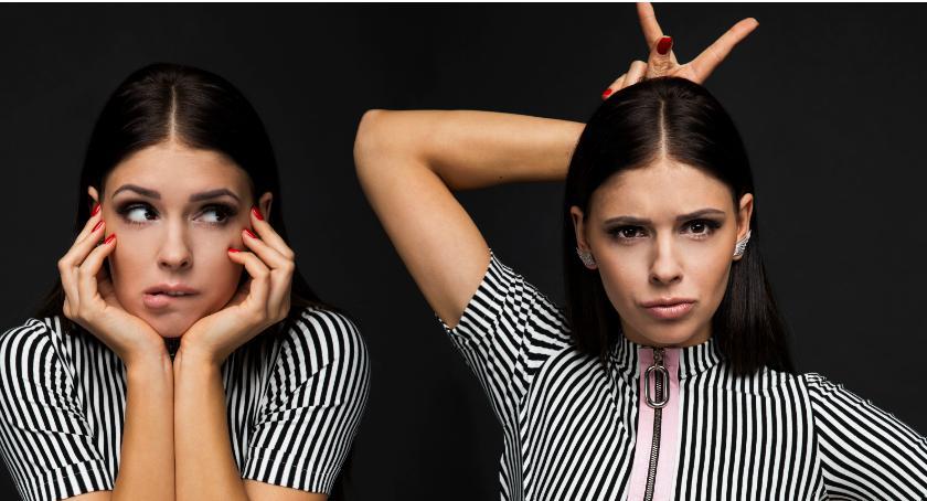Rozmowy, Klaudia Halejcio Patrzcie kobietę dziewczynkę - zdjęcie, fotografia