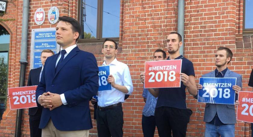 """Partie Polityczne, Sławomir Mentzen """"jedynką"""" europarlamentu Torunia - zdjęcie, fotografia"""