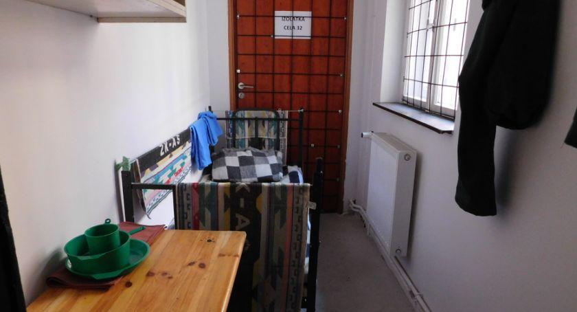 Ciekawostki, Oryginalny pomysł restauratora toruńskim lokalu można poczuć więzienny klimat [FOTO] - zdjęcie, fotografia