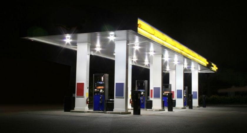 Sprawy kryminalne, Złodziej ukradł samochód toruńskiej stacji benzynowej! [FOTO] - zdjęcie, fotografia