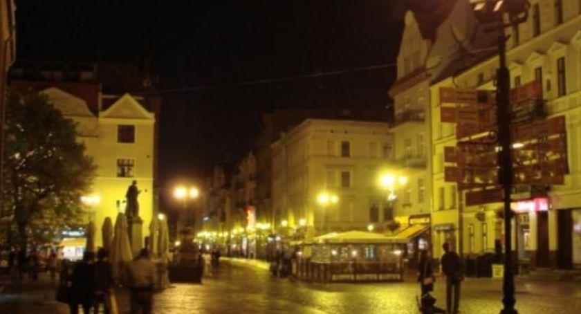 Sprawy kryminalne, Brutalne pobicie samym centrum toruńskiej starówki! - zdjęcie, fotografia