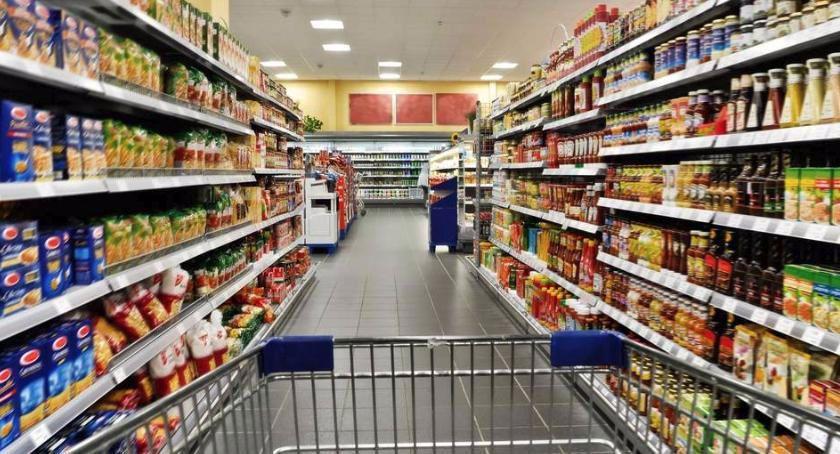 Inwestycje, supermarket Toruniu Otwarcie wkrótce - zdjęcie, fotografia