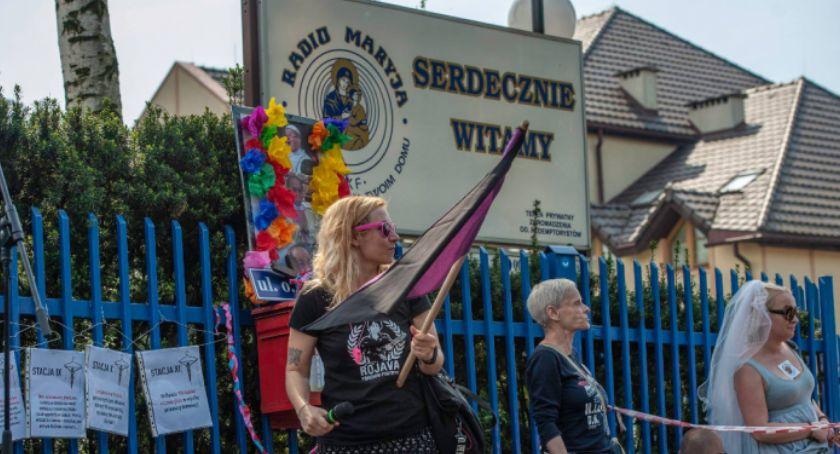 """Religia, Kontrowersje wokół manifestacji """"Chryja Radiem Maryja"""" Prezydent Zaleski zabrał głos - zdjęcie, fotografia"""