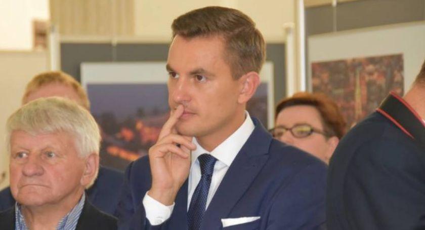 Partie Polityczne, Arkadiusz Myrcha zaciągnął ręczny hamulec wyznaczył niebezpieczny - zdjęcie, fotografia