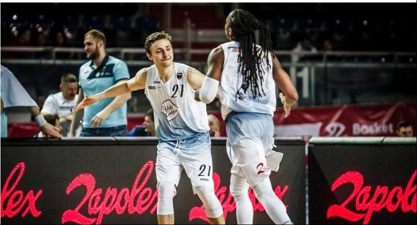 Koszykówka, Niesamowite Twarde Pierniki Kolejny horror Arenie Toruń! - zdjęcie, fotografia