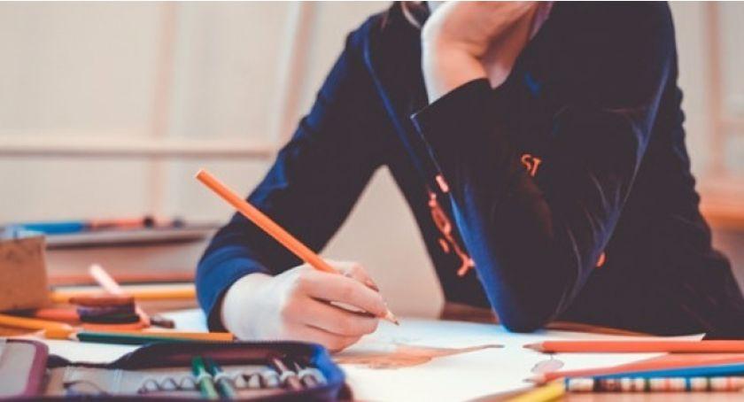 Szkoły i licea, Ponad letnia toruńska szkoła doczeka remontu miliony złotych - zdjęcie, fotografia