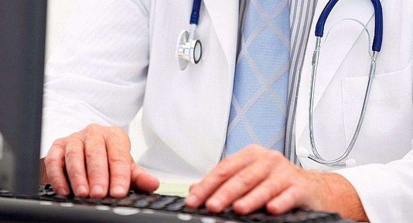 Zdrowie, Niepokojące wyniki torunianie oszukują chorobowym - zdjęcie, fotografia