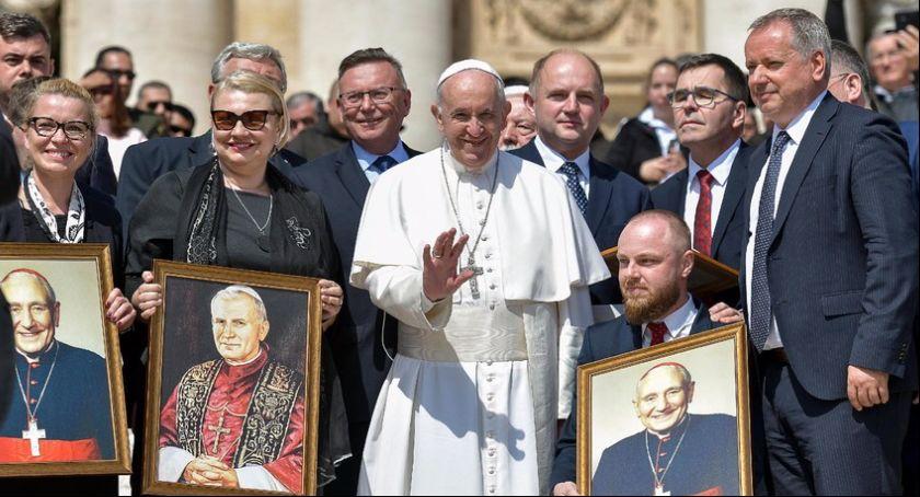Religia, przedstawiciele spotkali papieżem Franciszkiem [FOTO] - zdjęcie, fotografia