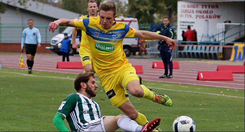 Piłka Nożna, Elana przegrywa najważniejszym meczu sezonu - zdjęcie, fotografia