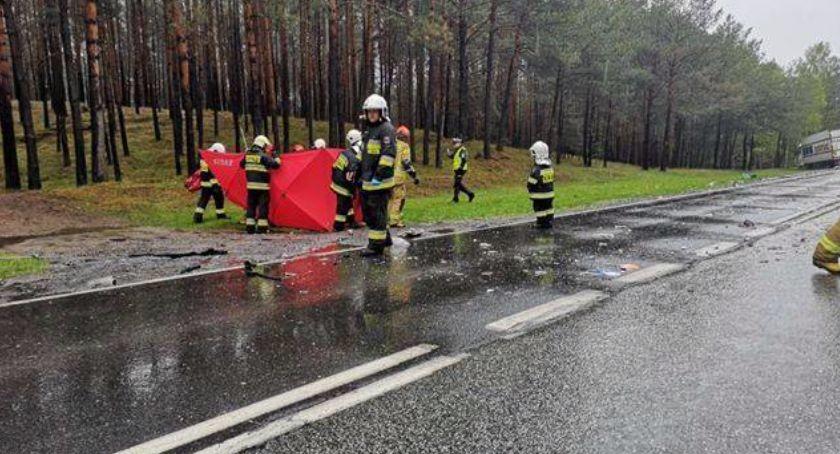 Wypadki, Śmiertelny wypadek trasie Toruń Bydgoszcz policji [FOTO] - zdjęcie, fotografia